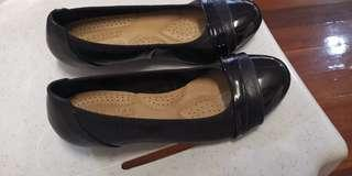 Size 6 Black Parisian shoes used once