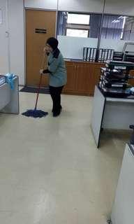 Pekerja cleaner di Institut Kefahaman Islam Malaysian (Ikim)