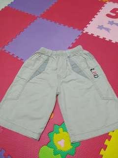 Celana pendek bobdog