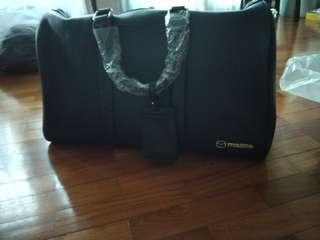 🚚 Black Mazda Cabin Baggage