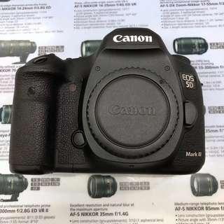 Canon EOS 5D Mark III (Body Only)