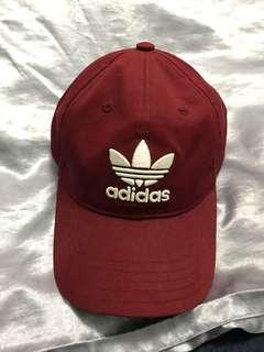 酒紅色adidas愛迪達帽子