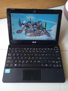 Notebook Asus 1015e - Intel Celeron B847 2GB 320GB 10.5 inch