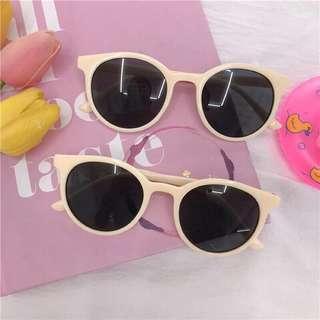 🚚 米白色太陽眼鏡