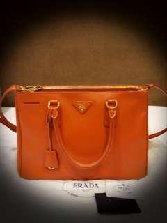 68c8e36ca8a PRADA Orange Saffiano Lux Leather Double Zip Medium Tote Bag BN2274