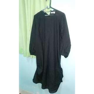 bluse hitam panjang selutut