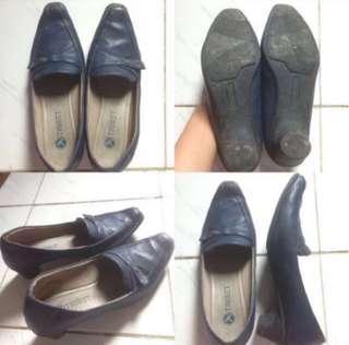 Sepatu Kerja Triset