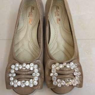 🚚 真皮鞋舒適閃亮水鑽36