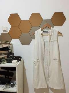 FXJC, White Vest