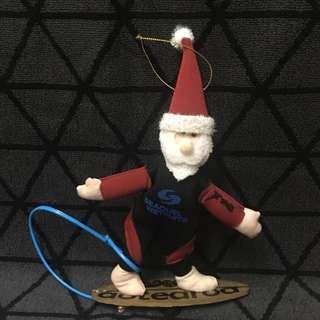 全新 稀有 聖誕老人穿上潛水衣企上滑浪板掛飾