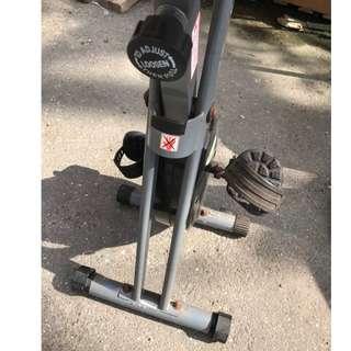 踏步機 腳踏 健身器材 跑步機 便宜出售