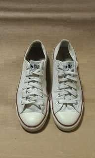 Authentic CONVERSE canvass sneakers