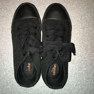 SAFE T STEP shoes SIZE 6