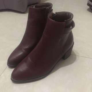 Boots 女神鞋 暗紅裸靴 冬天必備 聖誕 新年 90%new 只著過一次