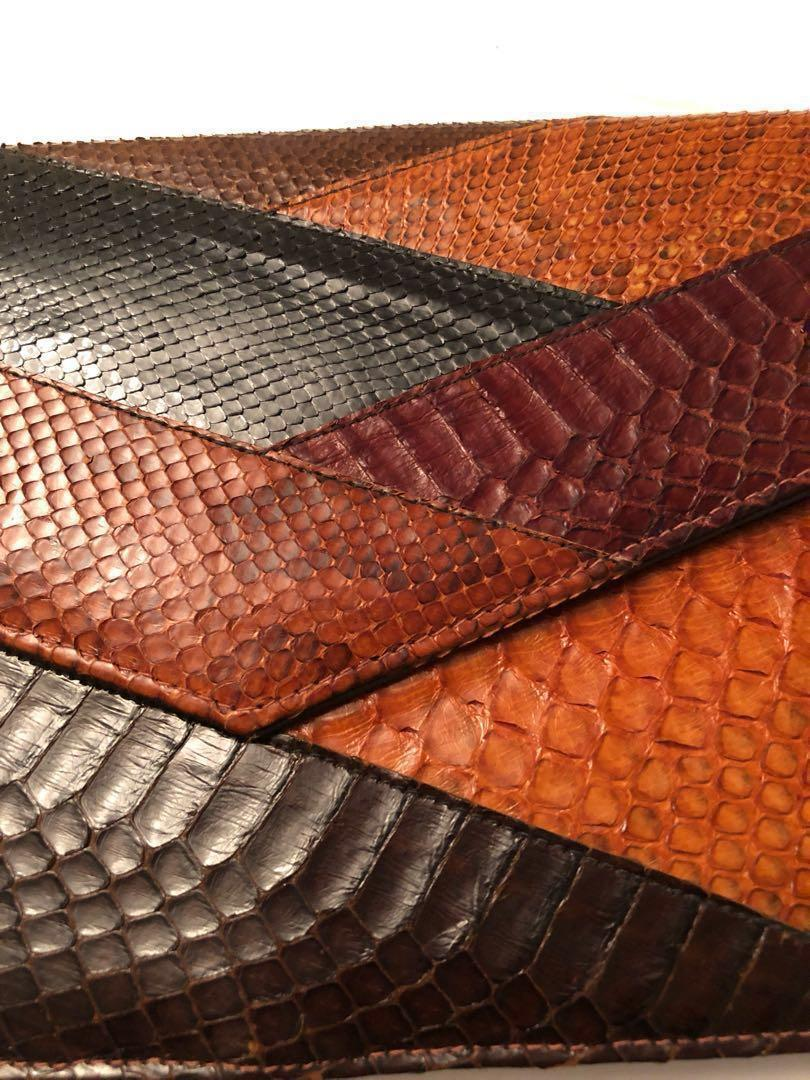 🔷 Vintage exotic lizard  skin envelope clutch