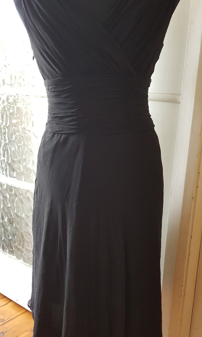 Black cocktail dress - size 8.