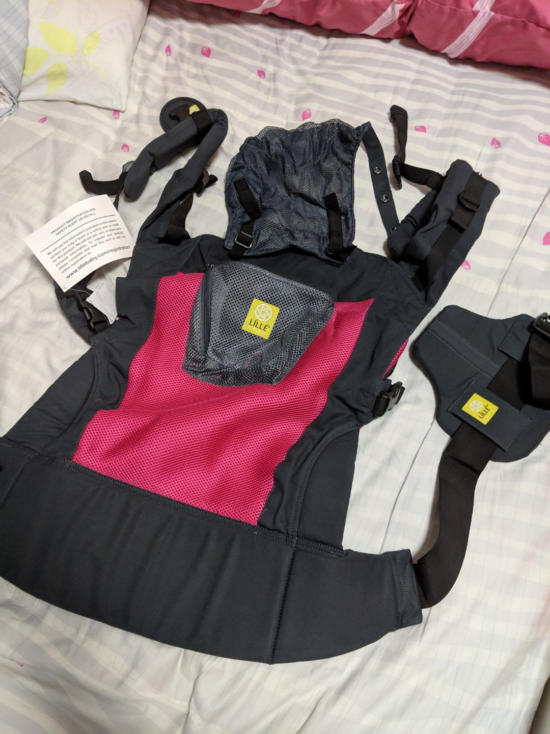 Bnib Lillebaby Carryon Carrier Charcoal Berry Airflow Babies