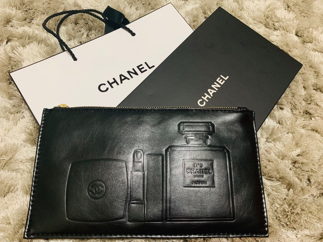 732f45a060a1 Chanel black pouch, Health & Beauty, Makeup on Carousell
