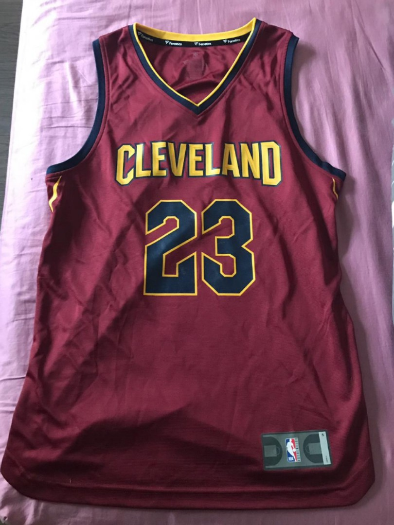 sports shoes f8e05 749e2 NBA CLEVELAND CAVALIERS LEBRON JAMES SWINGMAN JERSEY TEAM RED AUTHENTIC
