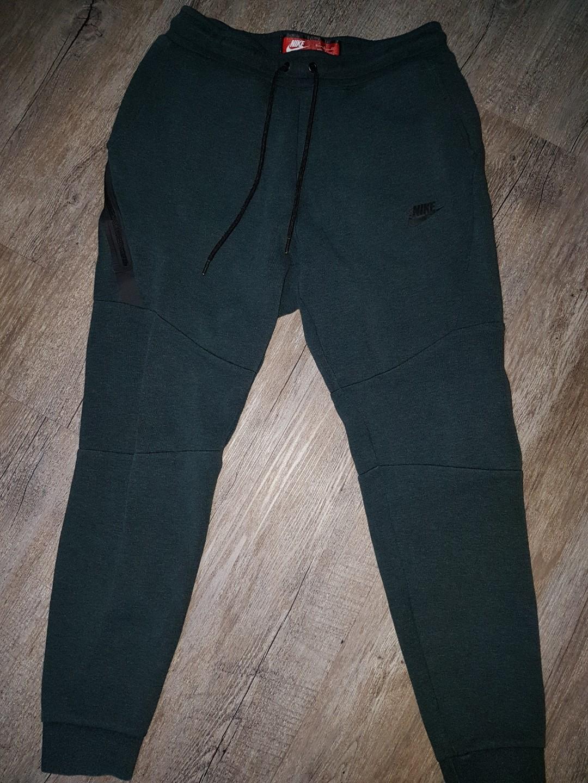 ddff2ae9e55d Nike Tech Fleece Joggers - Size S