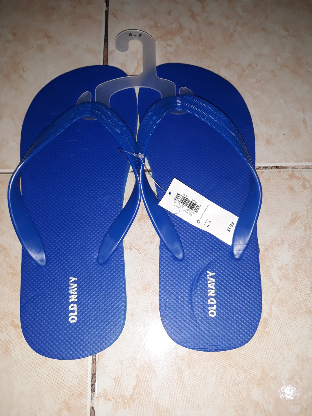 76198a80eabbb Old navy slippers size 6-7 for mens
