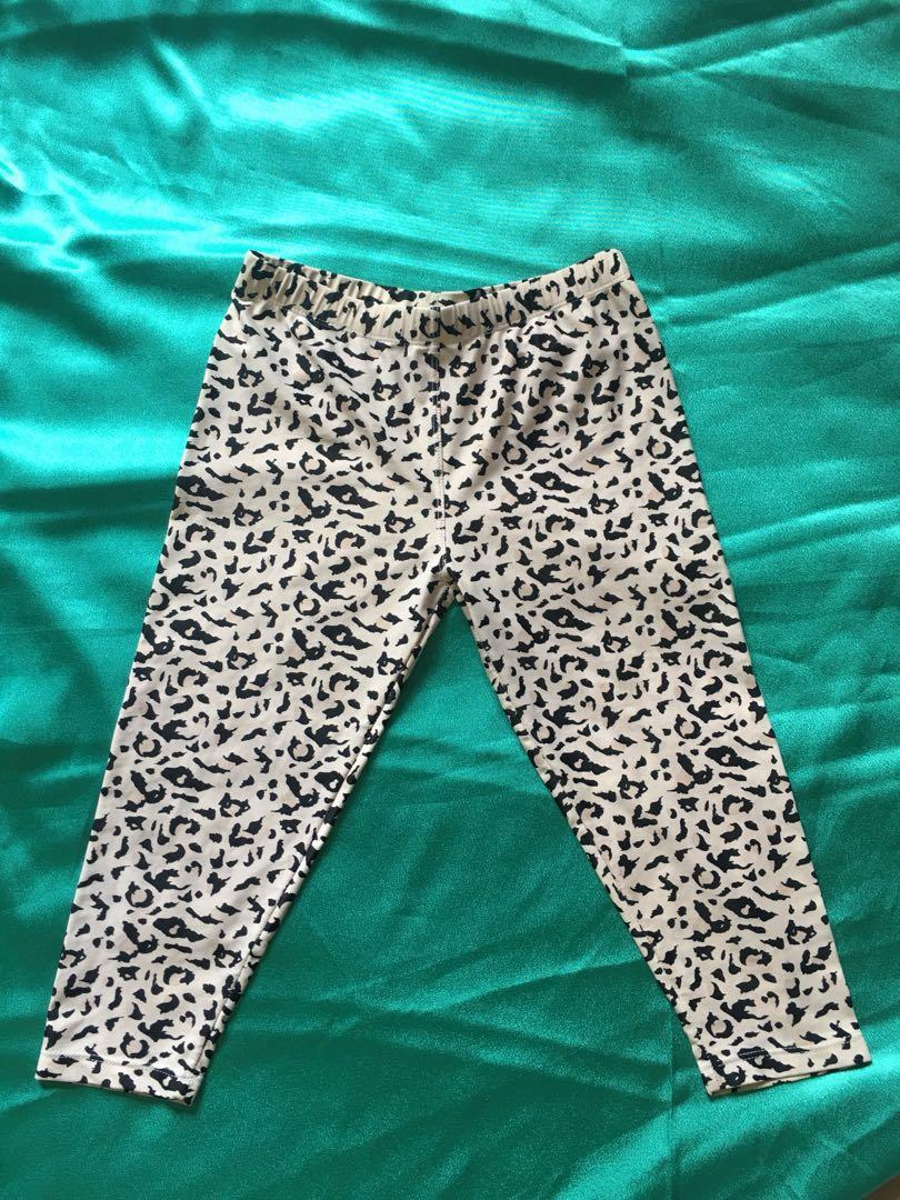 Preloved Celana Legging Bahan Tebal Women S Fashion Women S Clothes Bottoms On Carousell