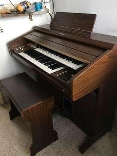 Used Organ SELLING AWAY