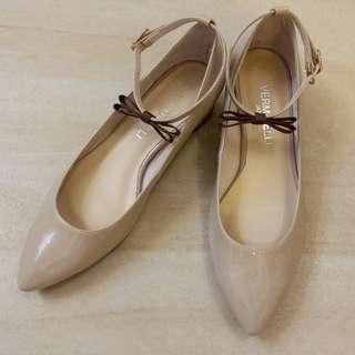 日本Vermicelli漆皮尖頭繞腳踝低跟鞋