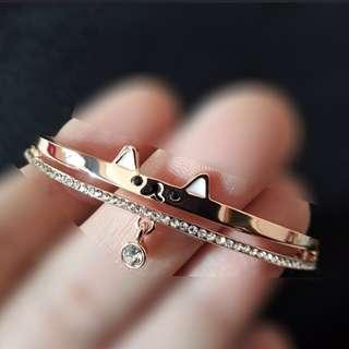Fancy gift bracelet in Rose gold plated. Cat/Zirconia. Limited stock.