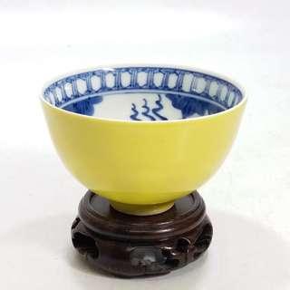 黃釉 青花手繪金魚杯(玩玉底款)