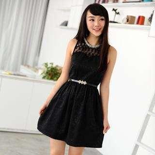 Pearl Neckline Lace Dress