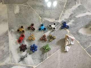 Fidget spinners / Fidget cube / Rubiks cube