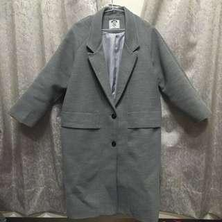🚚 灰色長版西裝大衣