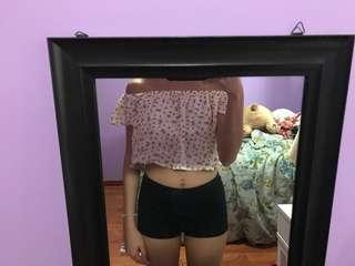 F21 off the shoulder floral crop top (small)