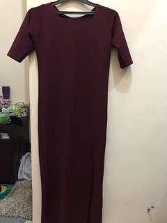 maroon dress belah paha