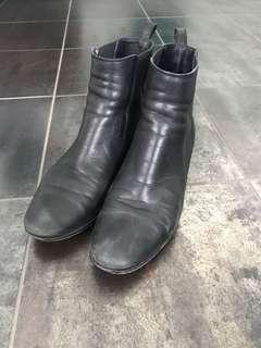 Milana leather flat boots black
