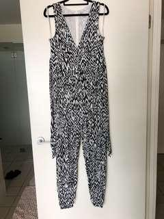 Forever new pantsuit