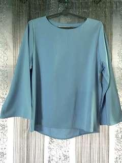 🚚 $5 Baby Blue Blouse