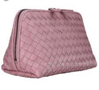 🚚 BV 紫藕色羊皮化妝包