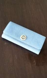 Brand new Michael Kors classic blue wallet 全新MK真皮革掉藍色長銀包