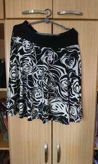 Floral black and white skirt