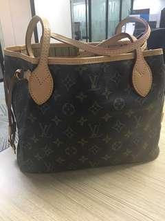 LV Neverfull PM size w/ date code