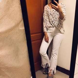 🚚 極新Zara時尚下擺開叉牛仔長褲 腰約68可穿