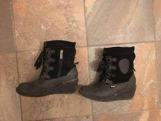 Pajar winter boots, size6