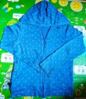 全新lativ薄長袖外套130cm(微瑕)