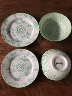SET OF 4 GOURDO'S Plates & Bowls in Gorgeous Green Pattern