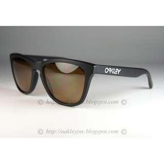 24630326aa BNIB Oakley Custom Frogskins Asian Fit matte black + tungsten prizm  polarized lens sunglass shades