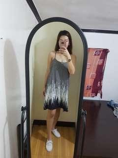 Sleeveless Low neckline Dress 💖