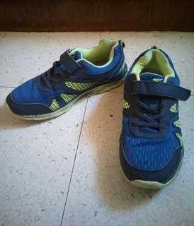 DR. KONG Shoes (size 6)