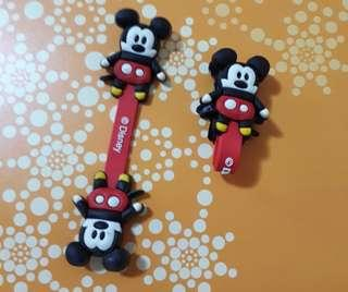 2@$2 Disney~Mickey Mouse Cord Holder